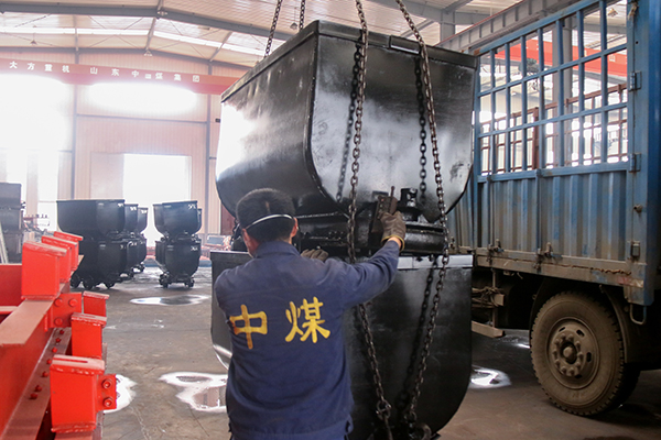 Numbers of Fixed Mine Wagon of China Coal Group Transported to Pucheng County, Shaanxi Province
